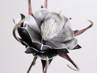 Foam flower black Ø 20 cm
