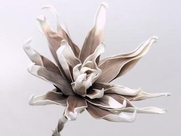 Foam flower white mocca Ø 35 cm